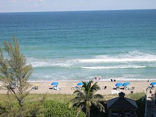 Ocean / Beachfront Condo on the Ocean, Hear the waves crashing!