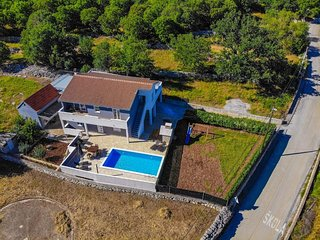 Three bedroom house Primorski Dolac (Trogir) (K-17285)