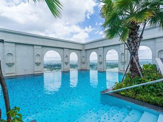 Apartment in the Central of Saigon, Rooftop Pool, Saigon River View