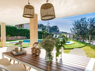 Villa moderna con piscina en Santa Ponsa