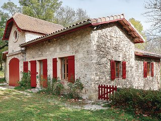 Stunning home in La Sône w/ 2 Bedrooms