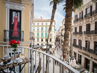 Wonderful 3 bedrooms flat with balcony in old historic Malaga