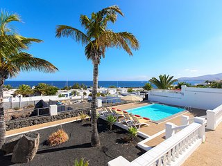 Villa del Puerto, Lujo escapada soleada entre Veleros