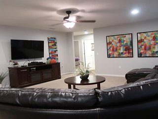 ⭐Spacious 7 Bedrooms - Near to all Orlando Theme Parks!⭐