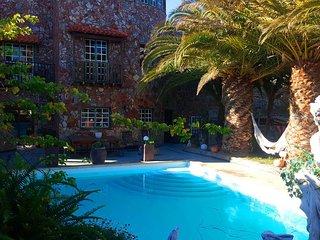 Acogedora casa con piscina y jardines en Tenerife - Leo