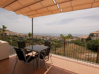 Rocas Blancas - 2BR Modern Apartment in Benalmadena with Spacious Terrace & Sea