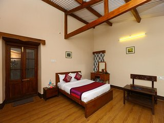 Beautiful Antique Couch Room Stay/Beauty of Ooty