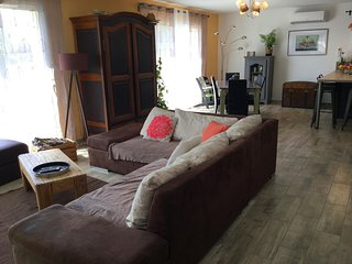 LS6-341 AUSSADO - Beautiful rental near Avignon with private pool, 6 sleeps
