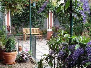 ´Quinta Elena´ 3/4 bed. villa...with patio garden and two sunny balconies