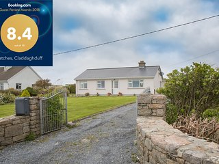 Patches Claddaghduff - Perfect home for a family offering spacious and bright ac