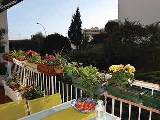 Awesome apartment in Nice w/ WiFi and 2 Bedrooms