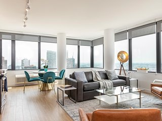 34th Fl 2BR Apartment with Wraparound Views of NYC
