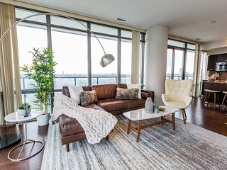 High-End 3-Bedroom Condo on Bay St.