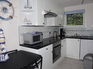 Lovely 2 bedroomed chalet in quiet rural location closes to beaches