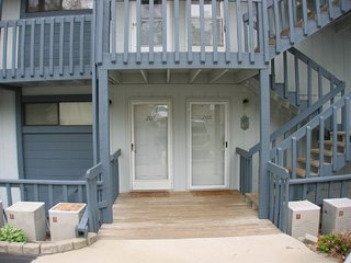 Walk in lake front condo C207