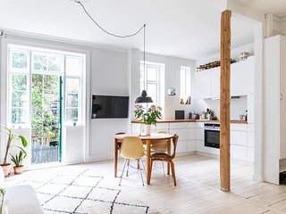Townhouse Copenhagen with private garden 85 sqm on Østerbro