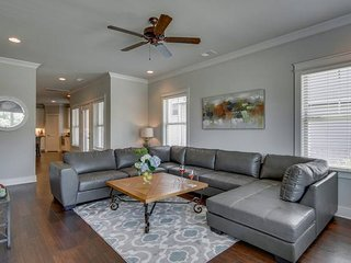 Sleep 20 in King Beds, 2 Homes NEXT to Belmont!