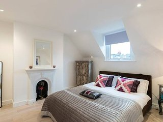 Modern and cozy 2BR flat in Putney