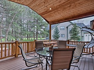 Pinetop Golf Course Home w/Furnished Deck!