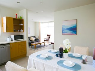 Epsom Central Spacious Modern 3 Bd Apt+Parking Preview listing View calendar