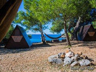 Beach Hut Diki (Garden view) + free shuttle