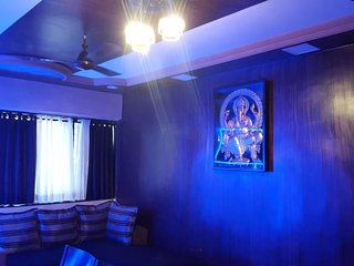 Luxury Stay in Malad West