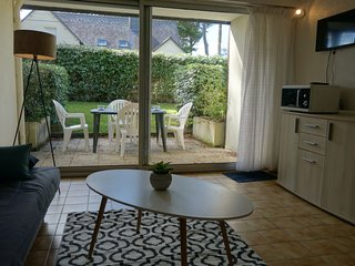 1 bedroom Apartment with WiFi and Walk to Beach & Shops - 5035441