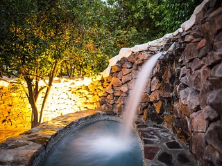 Private Waterfall Jacuzzi | Heated Saltwater Pool