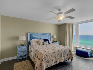 Free Beach Service! Free WiFi Great location just minutes from Pier Park! Gulf F