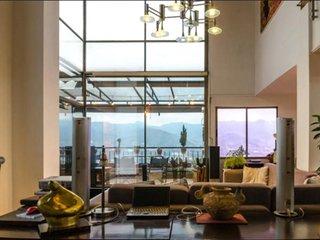 Spectacular 3-storey penthouse360 viewBest area