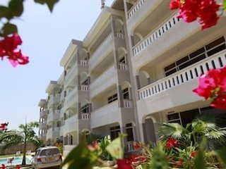 Here is a luxorious and comfortable fully furnished and serviced 2 bedroom apart