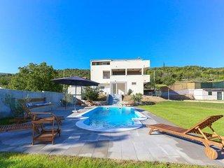 Villa Ume - Five Bedroom Villa with Private Pool