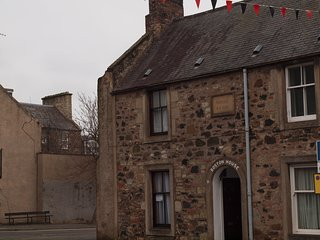 Historic Town House in the beautiful Scottish Borders, 2 bedrooms, sleeps 2-4
