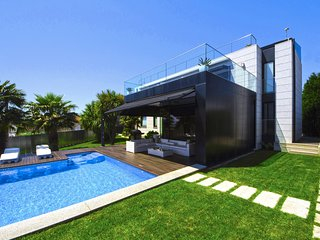 5 bedroom Villa with Pool, Air Con and WiFi - 5794443