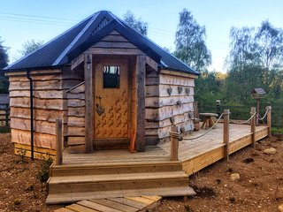The Wee Love Nest Cabin