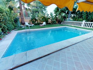 10min. walk from the Arenal sand Beach (700m). Air.con. WIFI. . Privat pool.