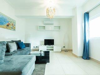 Luxury Penthouse Plus & Jacuzzi