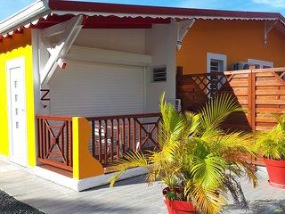 Joli bungalow pour 2. Le charme de la campagne tout près de tout. RUBIS