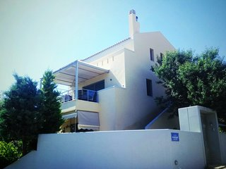 Luxury 2-floors seaside house. Next to the best beaches of Athens/Attica
