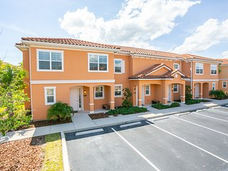Lovely 3 bedroom townhouse in Regal Oaks Resort gated community