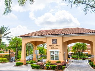 Townhome With Private Jacuzzi Near Disney!