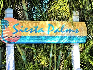 Siesta Palms at Siesta Key Inn-#2D Pineapple Palm