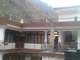 Modern Facilities Homestay in Manikaran