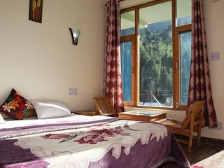 Super Rooms Next to River In Manali