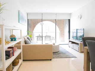 Newly settled three bedrooms apartment in CBD