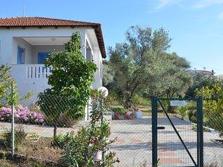 VILLA SIESTA- Beachfront holiday house in KAVALA