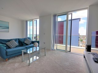 The Chocolate Box - Luxury, central two bed Penthouse with sea and city views