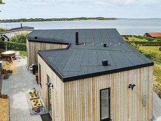Beautiful home in Farsø w/ Sauna, WiFi and 3 Bedrooms