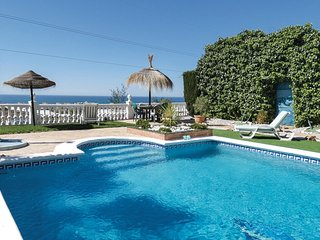 Amazing apartment in Torrox w/ Outdoor swimming pool, WiFi and Outdoor swimming