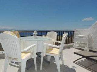 1 Bed Apartment, with 180 Degree Sea and Cliff Views in Tamara